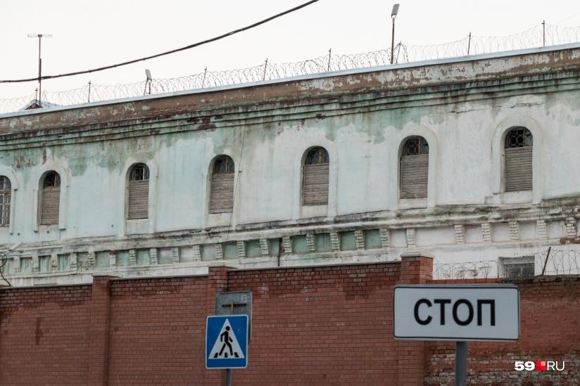 ГУФСИН не пустило корреспондентов в скандальную колонию №9, где произошли суицид, избиение и изнасилование