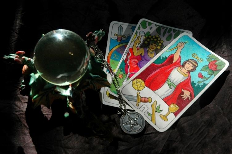 Пермячка отдала гадалке 900 тысяч за магические услуги