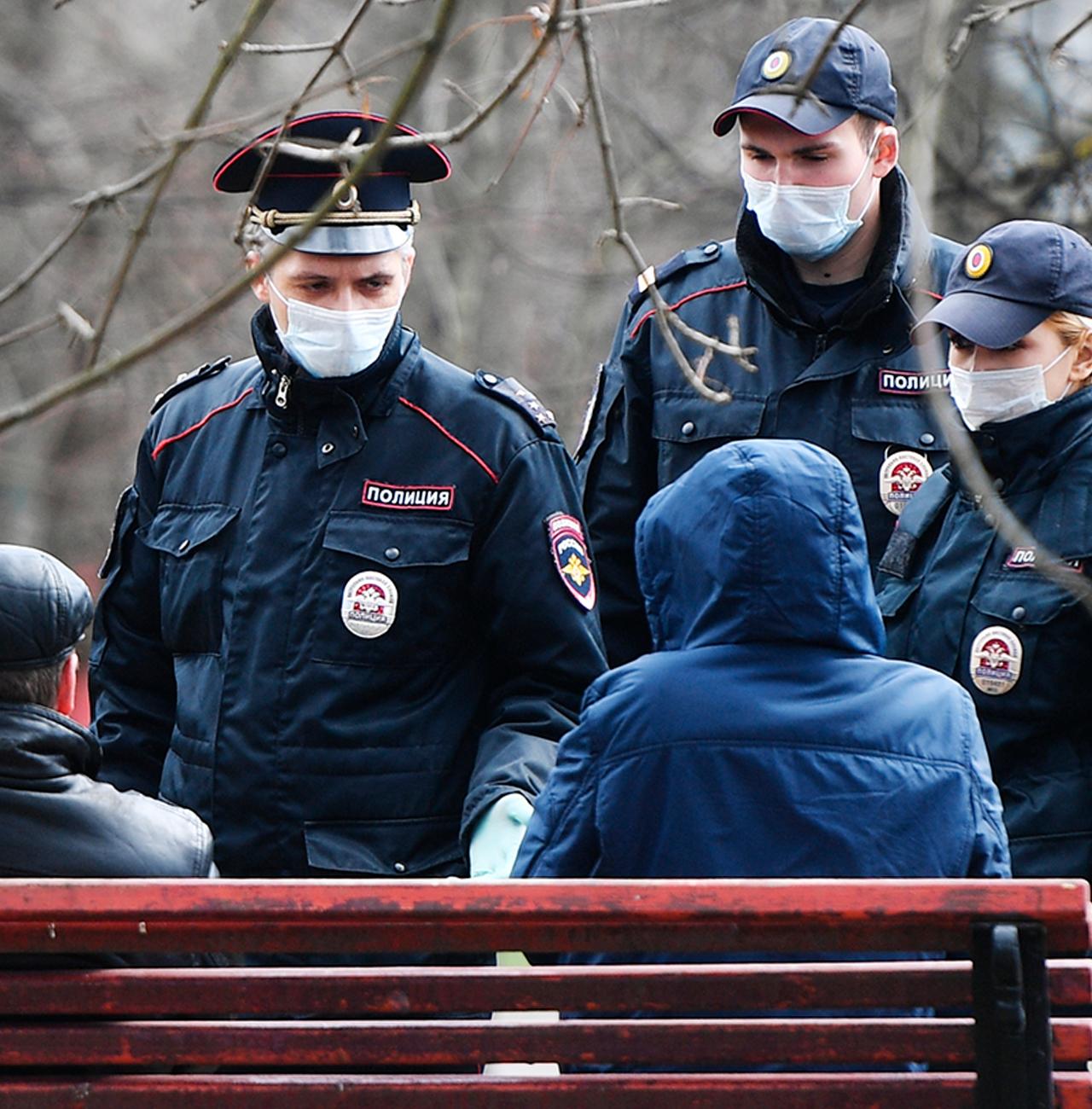 Суд оштрафовал березняковца, которого полицейские скрутили за отсутствие маски